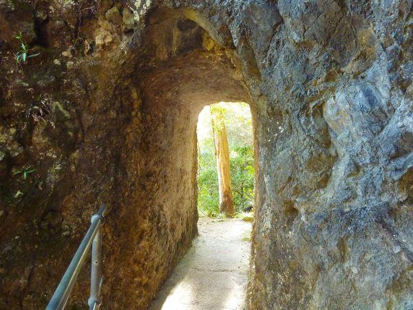 Kweebani Caves - Image © Pamela Harmon-Price
